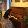 美術館の2階にあるピアノ